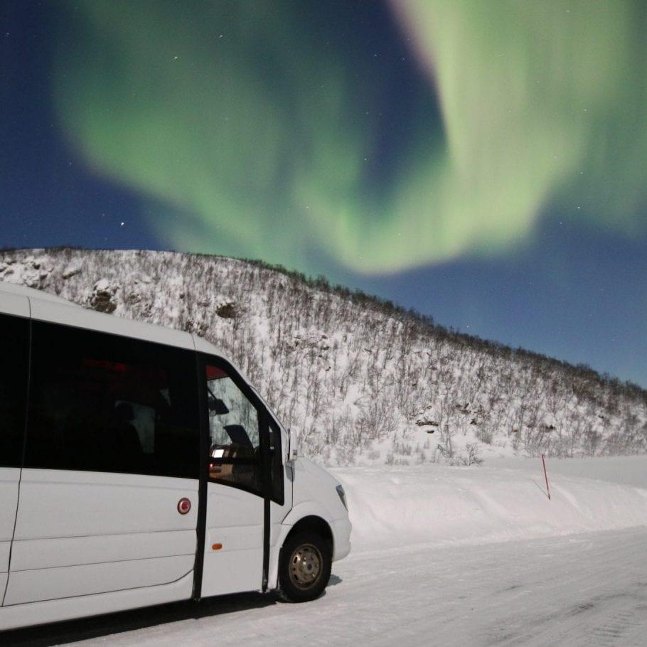 minibus_northern_lights